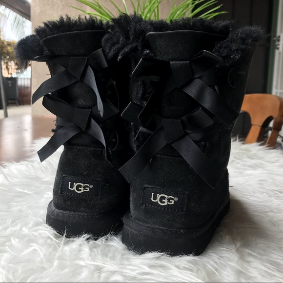 f6965d34833 💯UGG Bailey Bow Black size 8 ❤️❤️